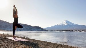 CjAU1XxnWXDd1mwet7EPoaJWZ1oFRWzONreSopwF 300x169 - 世界遺産yoga@富士山河口湖 Mandukaレンタル ヨガマット WEB事前受付開始いたしました。